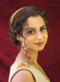 02a - Mihaela as ancient Greek Priestess