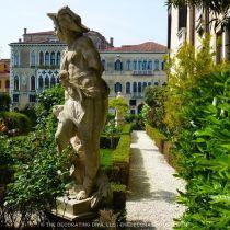 08 Secret Gardens of Venice - eadee6b09593ef6fdbd033d71860211f