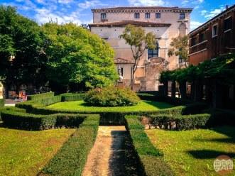 10 Secret Gardens of Venice - Giardino-Ca-Rezzonico