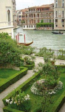 19 Secret Gardens of Venice - palazzo-barnabo