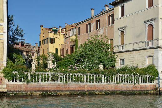 20 Secret Gardens of Venice - Palazzo_Malipiero_giardino_Canal_Grande_Venezia