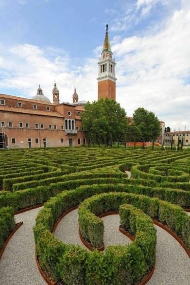 30 Secret Gardens of Venice - un-dettaglio-del-Labirinto-Borges