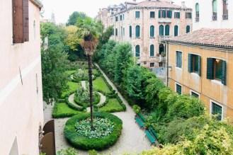 32 Secret Gardens of Venice - Venice_garden_Palazzo_Nani_Bernando(pp_w768_h512)
