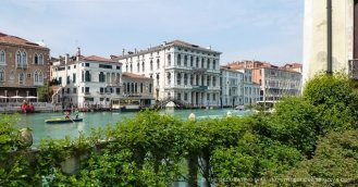 33 Secret Gardens of Venice - venice-grand-canal-view-barnabo-palazzo-garden