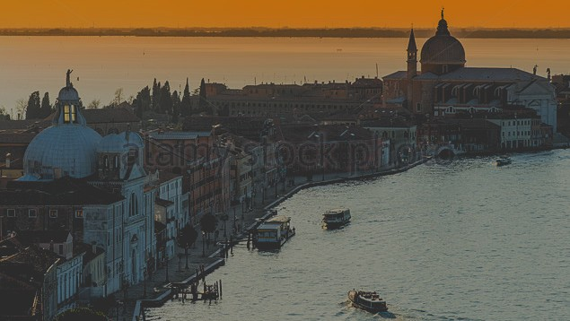 02 picture - Island Giudecca with church 'La Zitelle' (left)