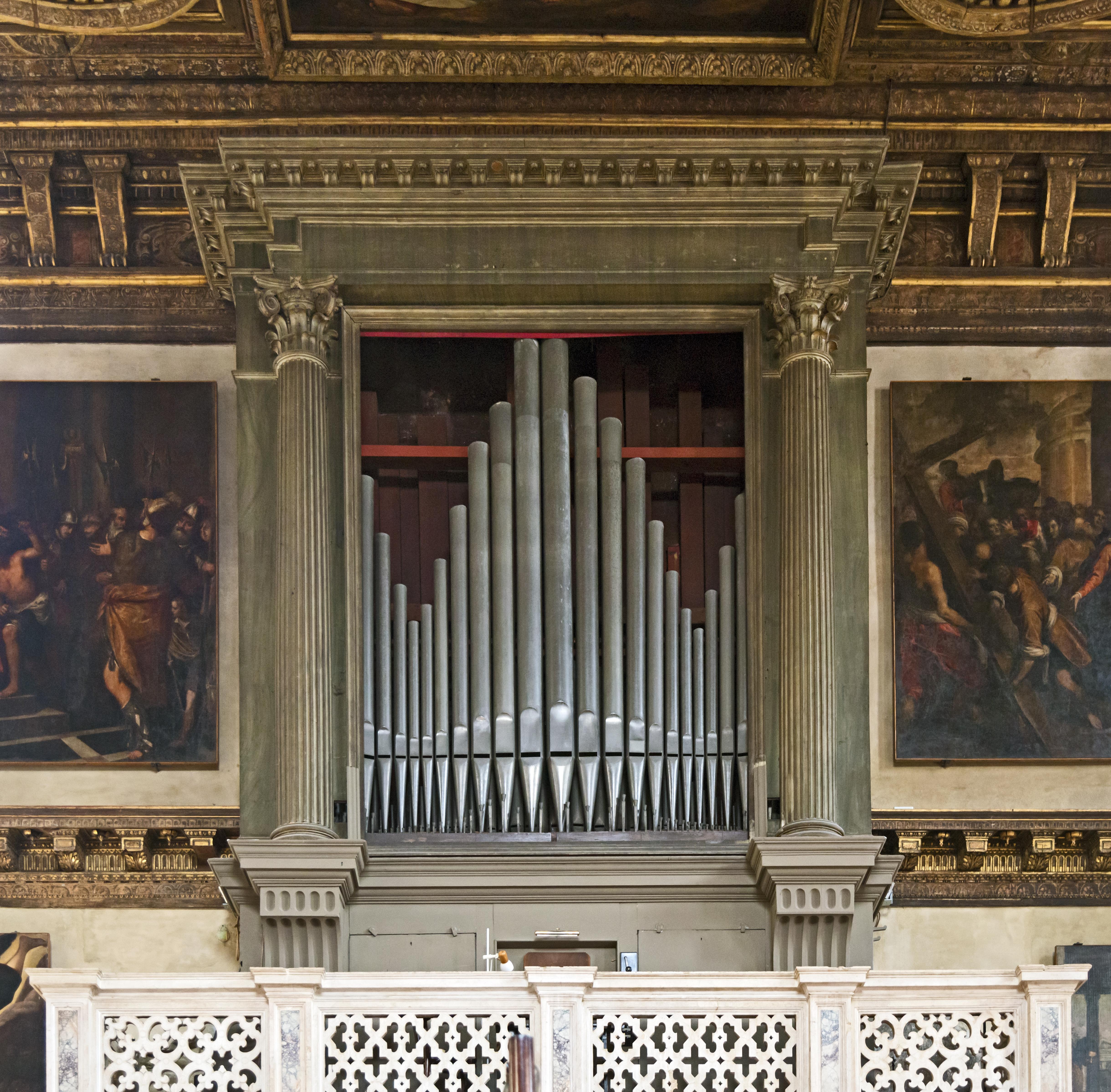 organo Chiesa_di_San_Zulian_-_Organo.jpg