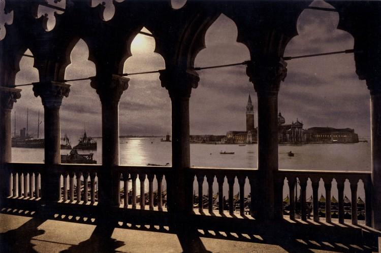San_Giorgio_from_Doges'_Palace_by_moonlight,_Venice,_Italy,_ca._1895