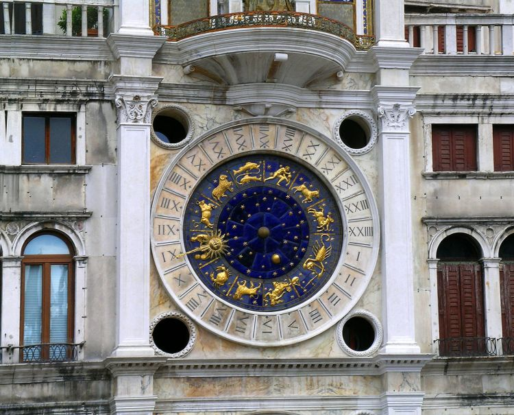 1280px-Venice_clocktower_in_Piazza_San_Marco_(torre_dell'orologio)_clockface