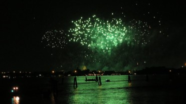 picture 51 - redentore-feast-fireworks-in-giudecca-canal