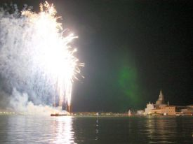 picture 68 - venezia_fuochi_artificiali_15_07_2006_095
