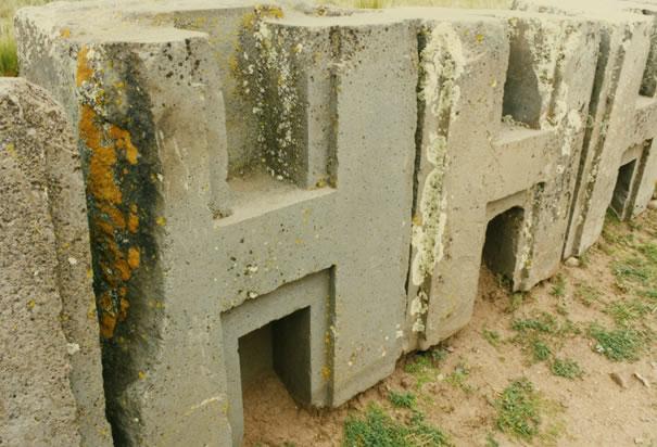 17 [picture] prehistoric H-Blocks Diorith