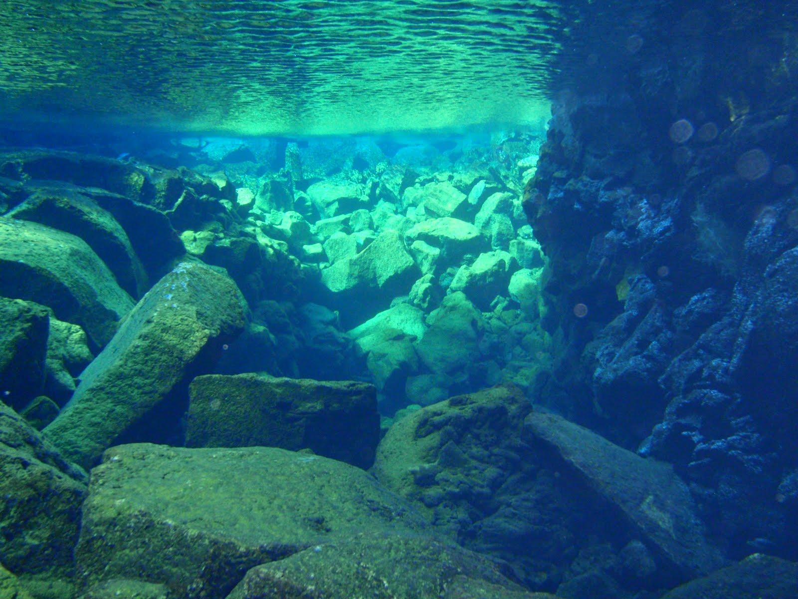 25 [picture ] Nan Madol submerge
